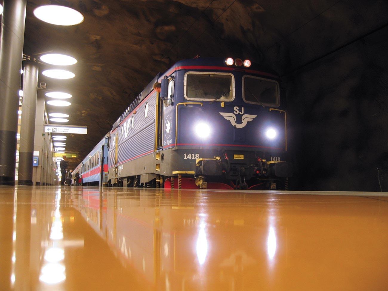 Golv och SJ-tåg vid Arlandabanan